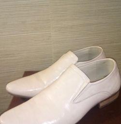 Γυναικεία παπούτσια για άντρες