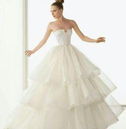 Свадебное платье с воланами Rosa Clara Eric