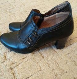 Μαύρα παπούτσια