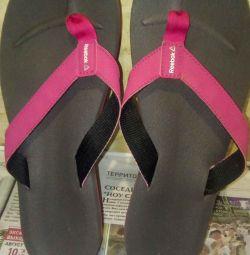 Papuci Reebok