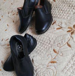 Туфли на мальчика размер 25,26,:28,29 новые!