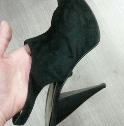 Doğal süet ayakkabı 39 р-р.