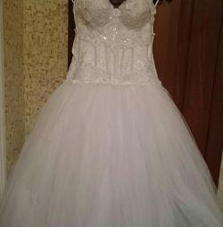 Свадебное платье новое с аксессуарами в подарок