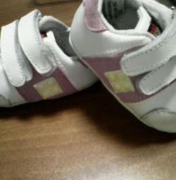 Pantofi pentru copii p. 17, 18