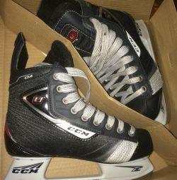 Хоккейные коньки ССМ 35 размер почти новые в короб