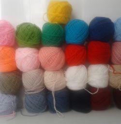 Colored beautiful yarn for knitting 100% acrylic