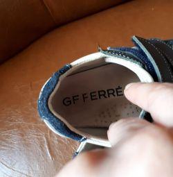 Pantofi adidași