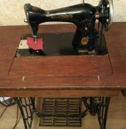 Швейна машинка ножна ПМЗ