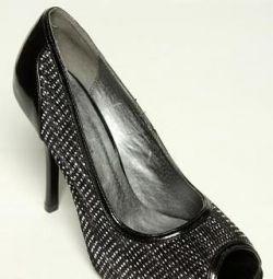 Продам новые туфли размер 37-38