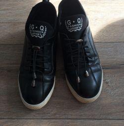 черевики -кроссовкі