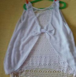 Біла блузка в подарунок