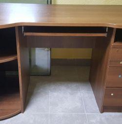 Письменный стол большой
