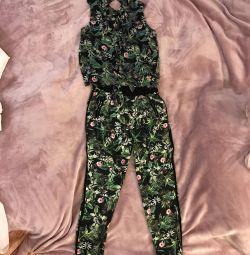 Costum pentru femei