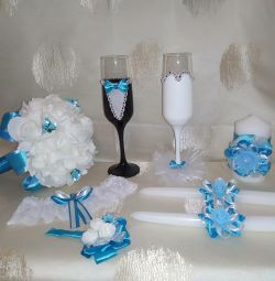 Wedding glasses bouquets garter bottles