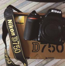 Фотоаппарат Nikon 750D body