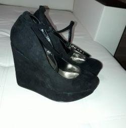 Pantofi cu platformă de 40 r