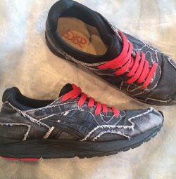 ASICS sneakers size 25 cm