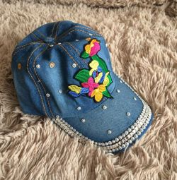 Новая джинсовая кепка