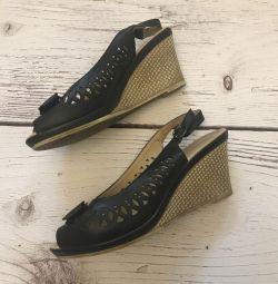 Pantofi cu pană p39.5