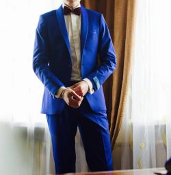 Voi vinde un tuxedo (costum de nunta)