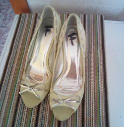 Туфли новые,39