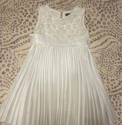 Φόρεμα για ένα κορίτσι 3-5 ετών