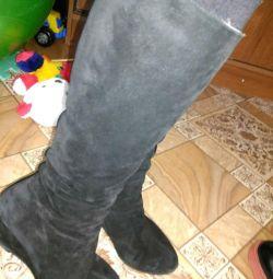 Μπότες και μπότες αστραγάλων.