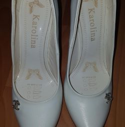 Λευκά παπούτσια 37r