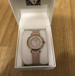 Продам годинники жіночі Anne Klein