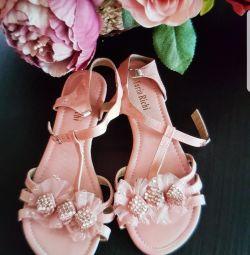 Yeni İtalyan sandalet