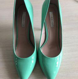 Pantofi pentru femei.