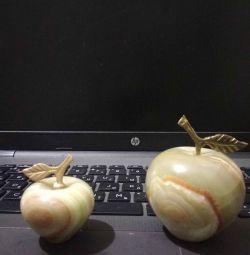 Onyx Apples