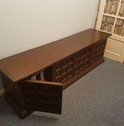 Solid Oak Antique Sideboard £250ono