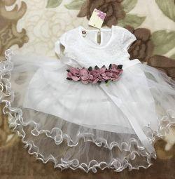 Îmbrăcați rochia pentru copii cu o fustă completă. Nou.