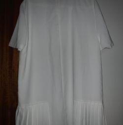 Voi vinde o nouă rochie albă la modă