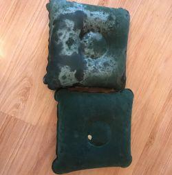 Две подушки от надувного матраса
