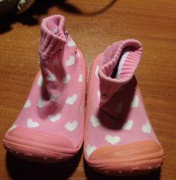 Νέα Skidders-μπότες για κορίτσια. Καινοτομία