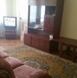 Квартира, 3 кімнати, 61 м²