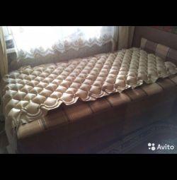 Mattress is an anti-decubitus mattress. New
