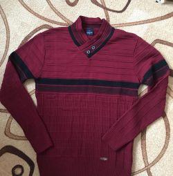 Совершенно новый свитер