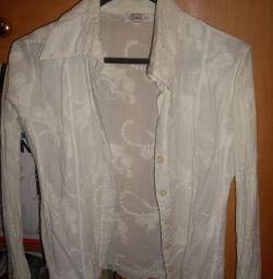 Λευκά μπλούζες