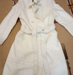 Пальто 46 розміру