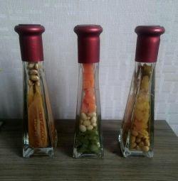 Διακοσμητικά μπουκάλια για το εσωτερικό της κουζίνας.