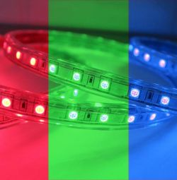 Bandă 220V 14,4 W / m 5050-60-100M (multicolor)