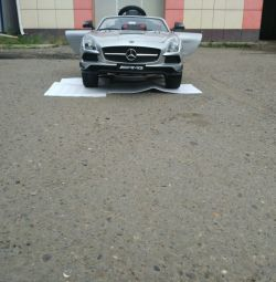 Electromobile Mers AMG