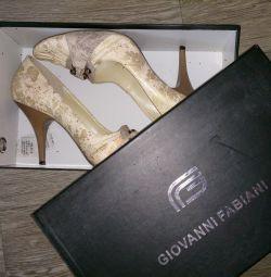 Shoes, clogs