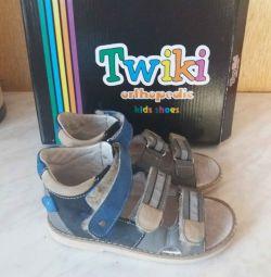Vânzare urgentă! Sandale pentru copii ortopedice