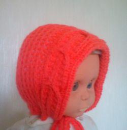 Нежная шапочка для малыша в полгода ручная работа