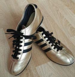 Sneakers Adidas okapi