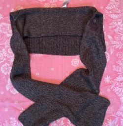 Eșarfă tricotată cu guler